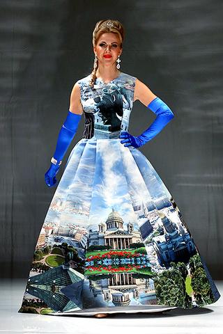 St.Petersburg Fashion Week FW 16/17: Анна Овчинникова, коллекция Экскурсия по Петербургу, показ, фото