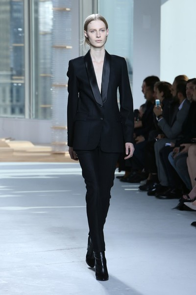 Неделя моды в Нью-Йорке: 18 февраля   галерея [1] фото [2]