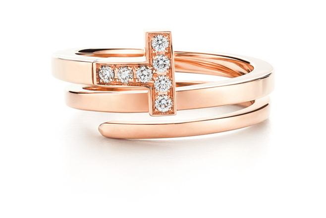 Кольцо Tiffany & Co, розовое золото и бриллианты, 210 000 р.