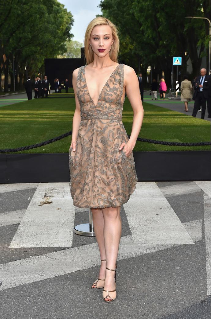 Сара Гадон: фото 2015