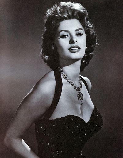 Софи Лорен (Sophia Loren) всегда умела хорошо одеваться
