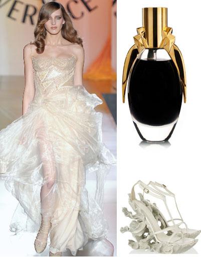 Платье Versace, туфли Alexander McQueen, аромат Fame