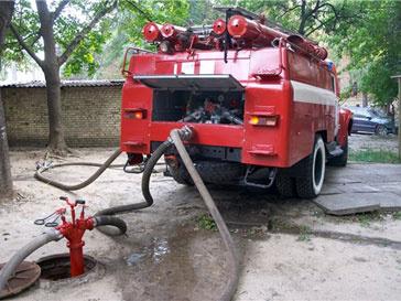 Пожарные машины оперативно прибыли на место происшествия
