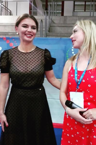 Алина Кабаева удивила прозрачным платьем