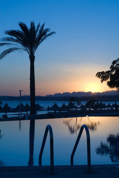 Закаты в Египте быстротечны и прекрасны