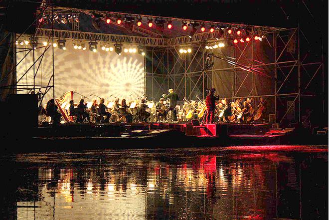 Фестиваль Ночь музыка в Гатчине: фото