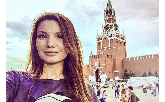 Виктория Черенцова спела о любви к России
