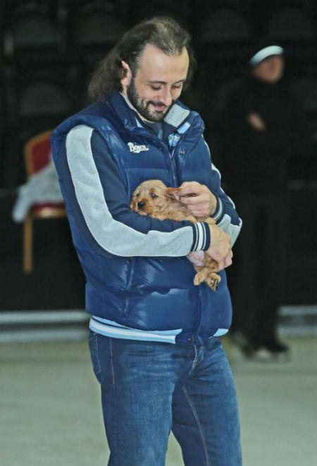 Михаил Галустян подарил Илье Авербуху собаку фото