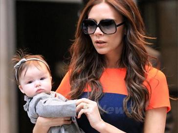 Виктория Бекхэм (Victoria Beckham) с дочерью Харпер Севен.
