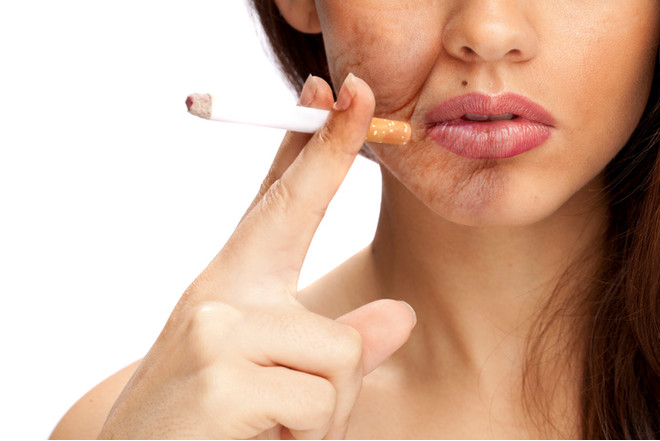 лицо женщины до курения и после курения
