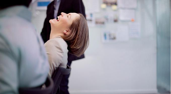 5 причин посмеяться на работе