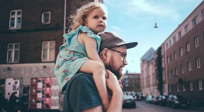 Два лучших подарка, которые отец может преподнести дочери