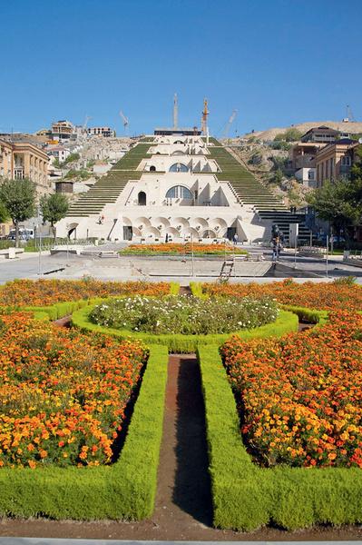 Каскад — главная смотровая площадка города