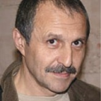 Нифонт Долгополов – ректор Московского института гештальта и психодрамы, тренер международного класса.