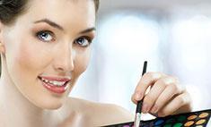 Лицо с обложки: 10 причин записаться на курсы по макияжу