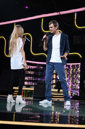 Барнаульцы стали участниками телешоу «Два голоса»
