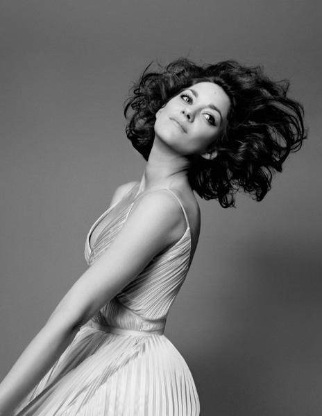 Марион Котийяр в кампании Lady Dior pre-fall 2014