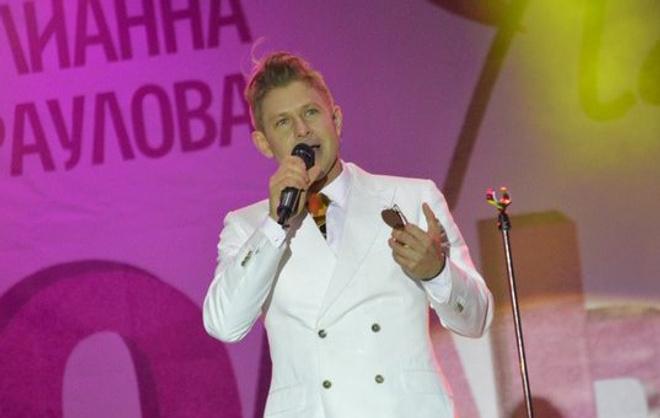 Митя Фомин на концерте в честь дня рождения ТРЦ «Планета»
