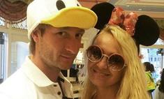 Рудковская и Плющенко отпраздновали деревянную свадьбу