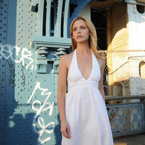 Роль Сары Мишель Геллар в экранизации «Вероники» свелась к многозначительным молчаливым сценам.