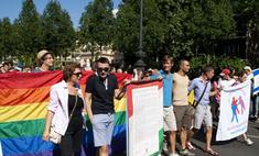 На первомайской демонстрации коммунисты столкнулись с геями