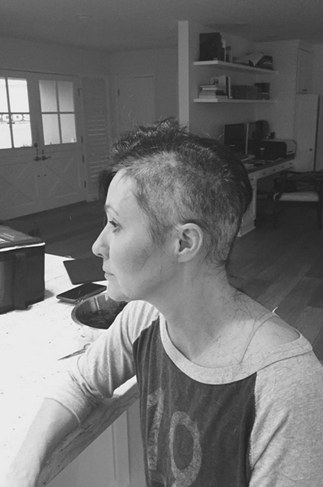 Шеннен Доэрти отрезала волосы