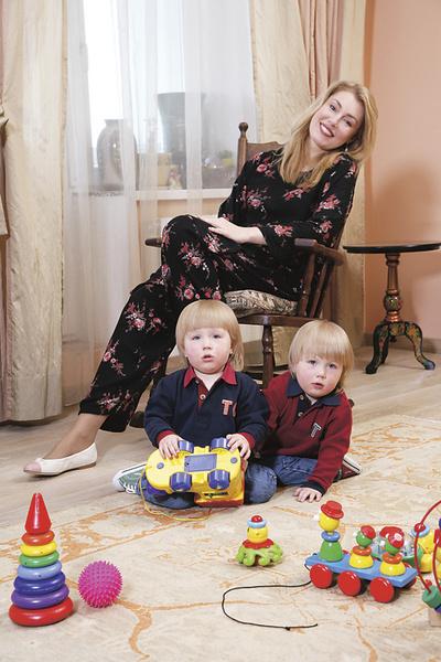 Мария с сыновьями Фомой и Фокой