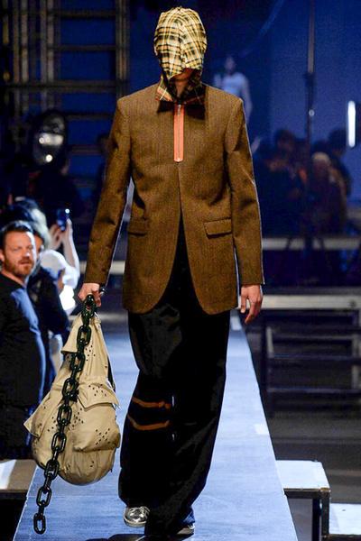 Неделя мужской моды в Париже: лучшие показы | галерея [2] фото [22]