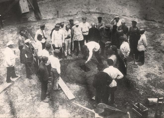 Закладка первого Новосибирского водопровода.