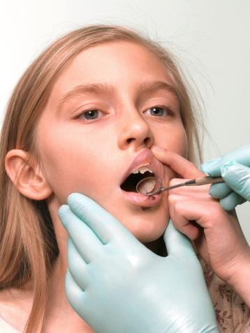 что делать если откололся зуб
