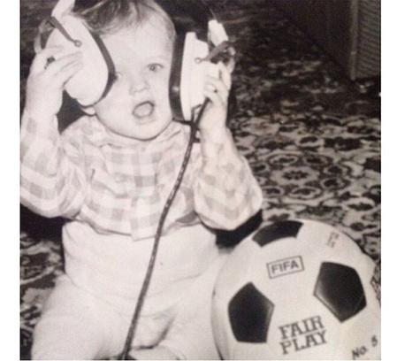 «С музыкой и с мячом с детства!!!» – футболист Дмитрий Тарасов в тренде