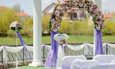 Свадьба, утопающая в цветах