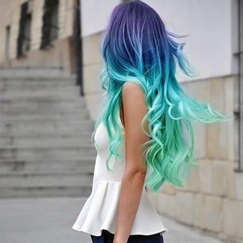 Волосы радужного цвета