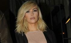 Ким Кардашьян вышла в свет без лифчика