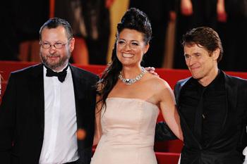 Ларс Фон Триер с супругой и актер Уиллем Дафо, исполнивший в «Антихристе» главную роль