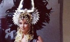 Анастасия Волочкова надела на дочь корону