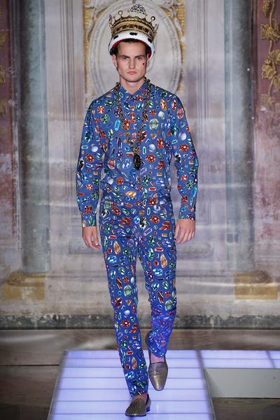 Во Флоренции прошел показ мужской коллекции Moschino | галерея [1] фото [1]
