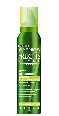Мусс для волос от Garnier с экстрактом бамбука. Содержит ультраэффективный полимер, который позволяет фиксировать прическу, не склеивая и не утяжеляя волосы в течение 24 часов.