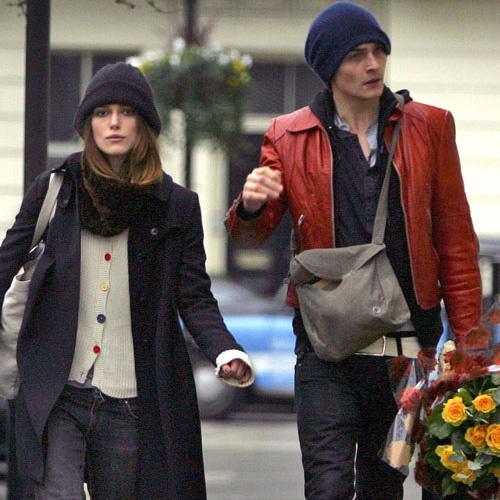 День влюбленных для Киры Найтли: букет цветов и прогулка по городу с бойфрендом (14 февраля 2008 года)