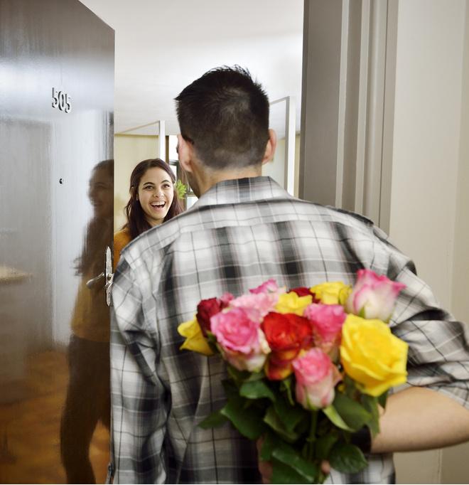 Дарить ли на первом свидании цветы