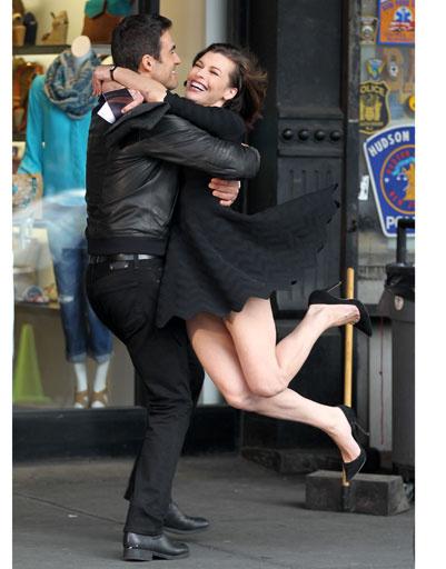 Мила Йовович (Milla Jovovich) и Карлос Касиа Гранде (Carlos Casia Grande)