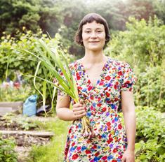 Инструкция: как собрать хороший урожай лука и чеснока