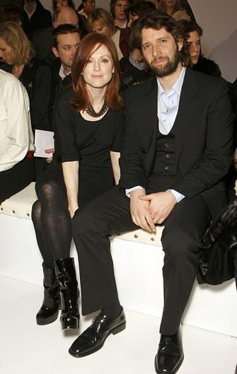Джулианна Мур с мужем Бартом Фрейндлихом.