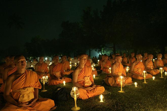 К чему снится монах во сне?