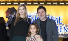 Александр Цекало впервые вывел в свет дочь