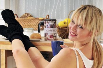 Зарядка «растрясет» ваш организм лучше утреннего кофе, который, как известно, вреден