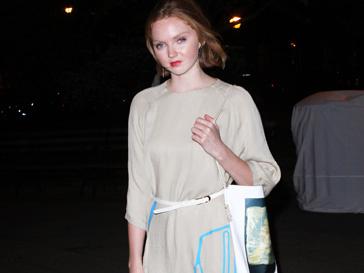 Лили Коул (Lily Cole) предпочитает классический и винтажный стиль в одежде