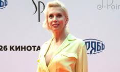 Алена Свиридова пришла на «Кинотавр» в откровенном наряде