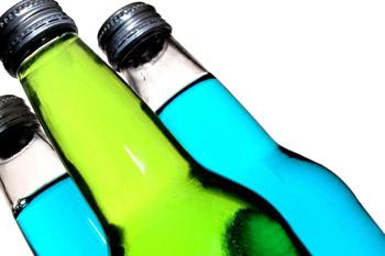 Головную боль могут запросто вызвать газированные напитки.