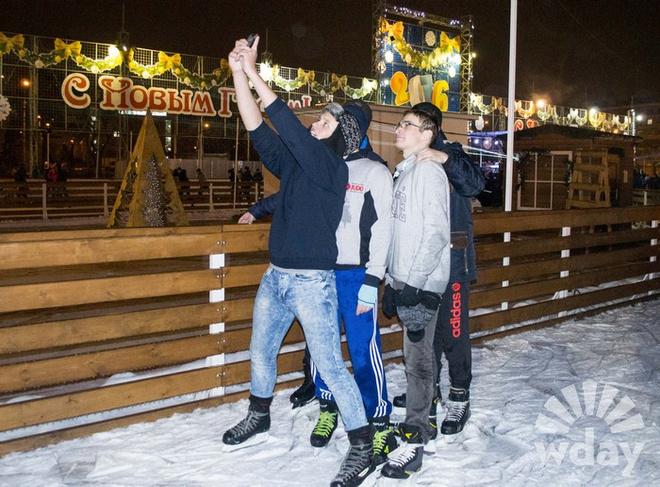 Олимпийские чемпионы Лебедева и Опалев открыли каток в Волгограде